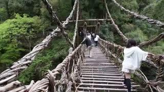 ترسناک ترین پل های دنیا  - sakhtemoon.com