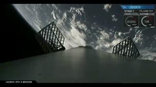 لحظه لانچه ماهواره توسط فالکون 9