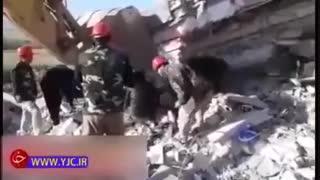 بیرون کشیدن اجساد زلزله کرمانشاه