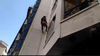 رنگ آمیزی نمای ساختمان در ارتفاع بدون داربست -آذرخش ساختمان کهن