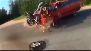 خطر رانندگی پرسرعت با موتور سیکلت