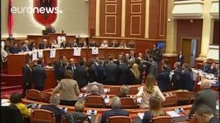 درگیری نمایندگان در پارلمان آلبانی