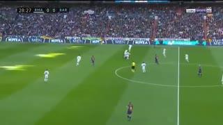 بازی کامل رئال مادرید 0-3 بارسلونا ( 2 دی 96 )