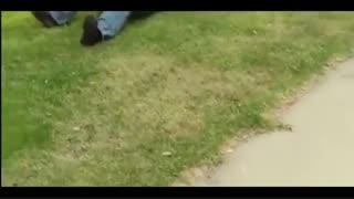 آموزش ترکاندن توپ فوتبال با یک ضربه !