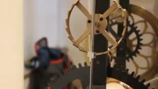 یک ساعت قدیمی از قرون وسطی