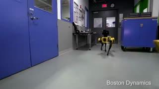 جنتلمن بودن را از ربات ها یاد بگیریم