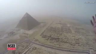 بالا رفتن غیر قانونی نوجوانی از احرام مصر