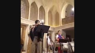 """نواختن آهنگ """"ای ایران"""" توسط 2 نوازنده ژاپنی در کاشان"""