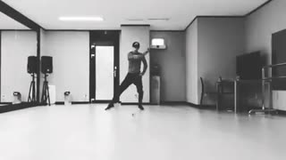 Sehun solo dance
