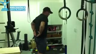 حرکت کششی کمر با استفاده از توپ