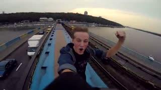 هیجان انگیز ترین روش برای سوار مترو شدن