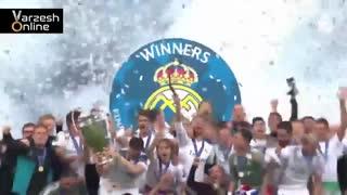 لحظه بالا بردن جام لیگ قهرمانان اروپا توسط سرخیو راموس و دیگر بازیکنان رئال مادرید در استادیوم المپیک کیف