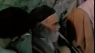 ببینید| آخرین افطاری حضرت آیتاللّه خامنهای در کنار امام خمینی«رحمۀاللّه علیه»