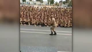 پسرا نترسید سربازی اونقدرام ترسناک نی (بزن و برقص تو پادگان)