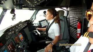 فرود هواپیمای 737 از دید کابین خلبان