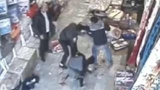 لحظه نزاع و قتل در مغازه پارچه فروشی/ پلیس به دنبال عامل جنایت