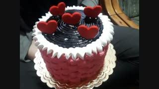 بچه ها اینم کیک تولدم.(خودم درستش کردم)