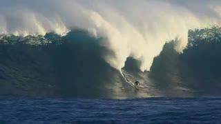 گشت و گذار موج سوارهای حرفه ای در ساحل هاوایی