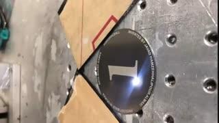 حکاکی لیزری  بر روی پلاک استیل برای کنسول بازی