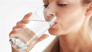 چرا هر قدر آب می نوشم باز هم تشنه ام ؟