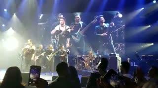 اجرای زنده محسن یگانه بهت قول میدم(Mohsen Yeganeh - Behet Ghol Midam)