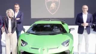 ویدئوی خلاصه مراسم رونمایی رسمی از خودروی لامبورگینی اونادور SVJ