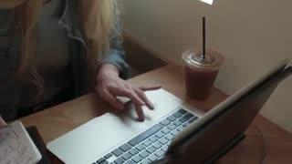 ویدیوی معرفی نمایشگر ثانویه DUO برای لپ تاپ