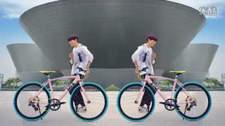 یه تبلیغ عالی از اکسو برای دوچرخه(وای همشون در کنار هم)