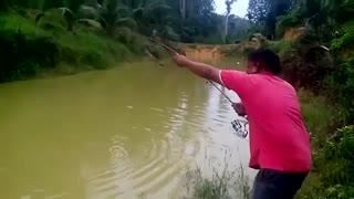 فیلم مستندبهترین طعمه ماهیگیری و صید ماهی 120 کیلیویی با لنسر ماهیگیری