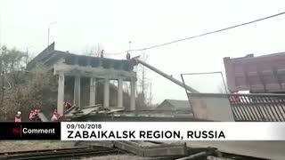 فرو ریختن بخشی از یک بزرگراه در روسیه بر روی خطوط آهن