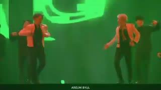 اجرای آهنگ bring it از هوشی و ووزی-seventeen
