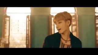 میکس آهنگهایARIANA_GRANDE_BTS_7_RINGS_AIRPLANE فوق العاده!!