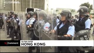 تظاهرکنندگان خشمگین هنگکنگ مقابل مقر ساختمان شورای قانونگذاری